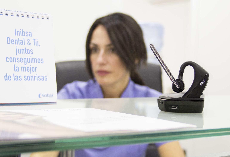 Plantronics Voyager 5200UC en la Clínica dental Romero y Girón